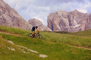 Percorsi in mountain bike difficili in Val di Fassa