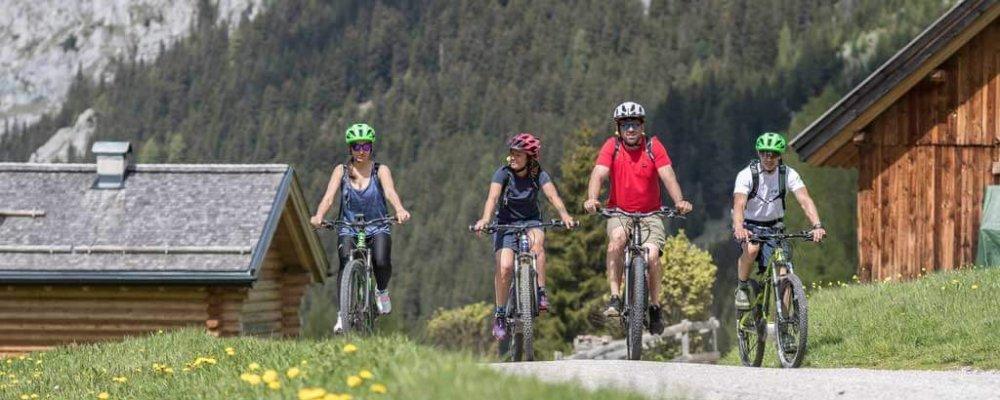 12 itinerari da percorrere con la bicicletta nella Val di Fassa